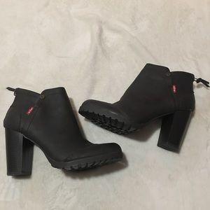 Levi's heeled booties